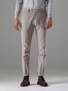 Pantalón chino slim fit teja