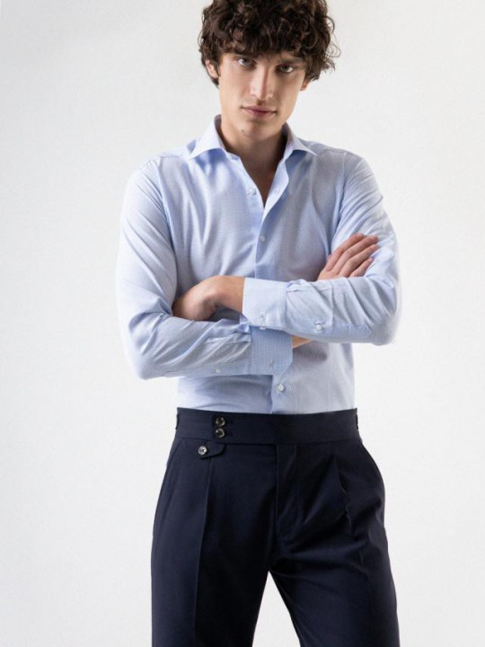 PuroEGO Camisa slim fit azul marino estampado corbatero