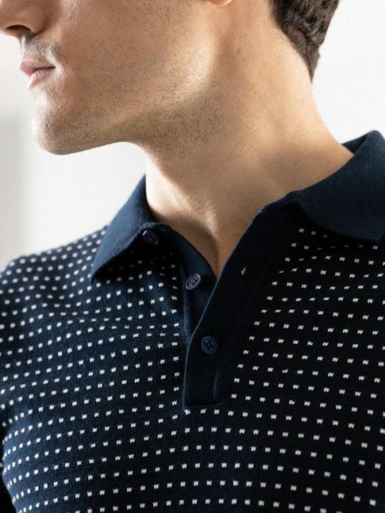 Jersey cuello pico azul detalles contraste