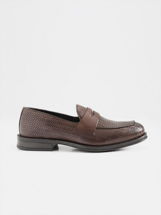 BROWN BRAIDED LOAFER