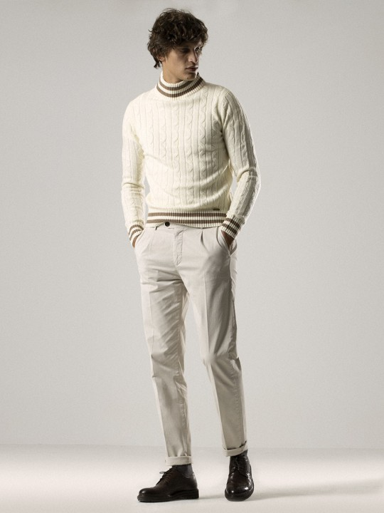 YVORY SINGLE-PLEATED CHINO PANTS