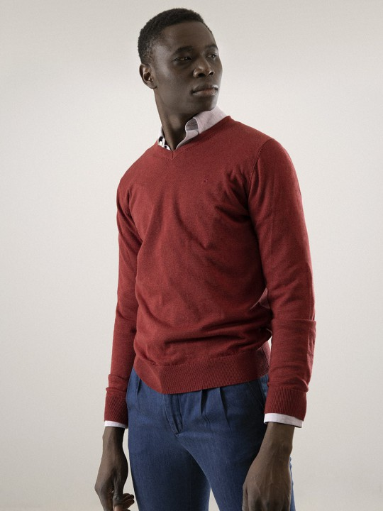 MAROON V-NECK SWEATER
