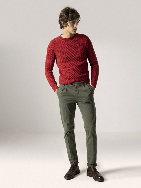 OLIVE GREEN DOUBLE-PLEATED CHINO PANTS
