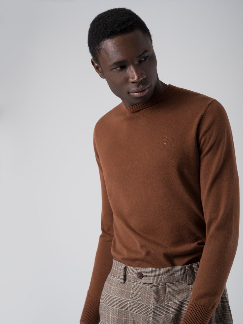 Jersey cuello caja marrón