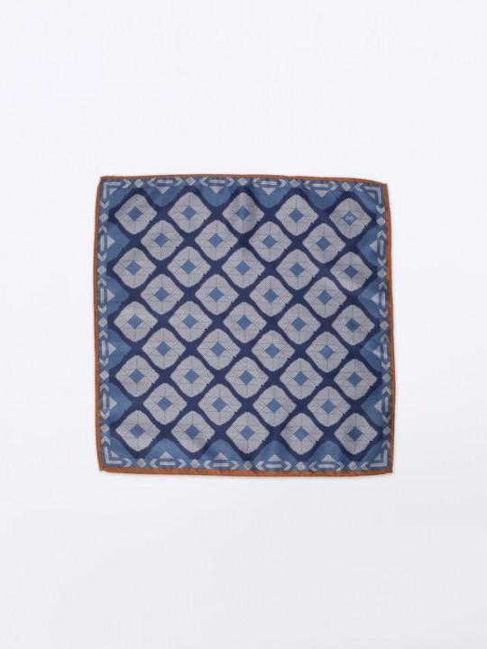 Pañuelo azul estampado trama