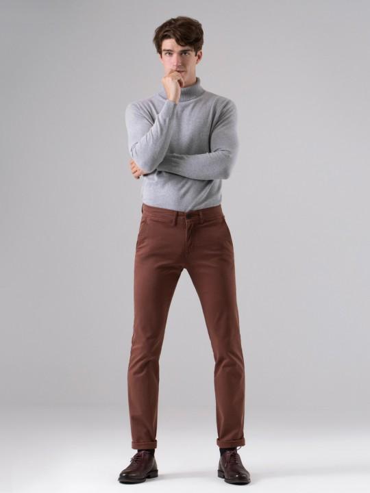 Pantalón chino caldera