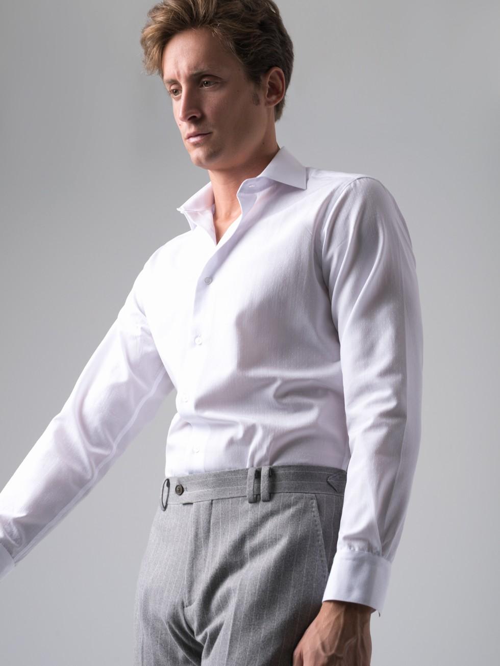Camisa maquineta topos blanca